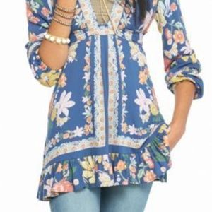 6a5a7586590 Free People Tops - Free People Violet Hill Print Tunic